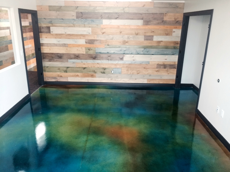 Quality Pro Demo Chimp Stained Concrete Exercise Room